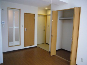 10畳+ベランダの1R寮です