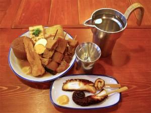 関東煮(かんとだき/おでん)、たこ甘露煮、酒