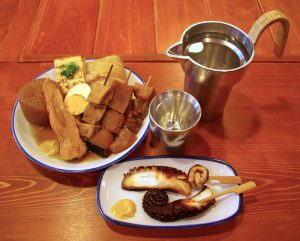 関東煮(おでん)、たこ甘露煮、燗酒